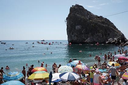 Спасатели выловили тело туриста из моря в Крыму