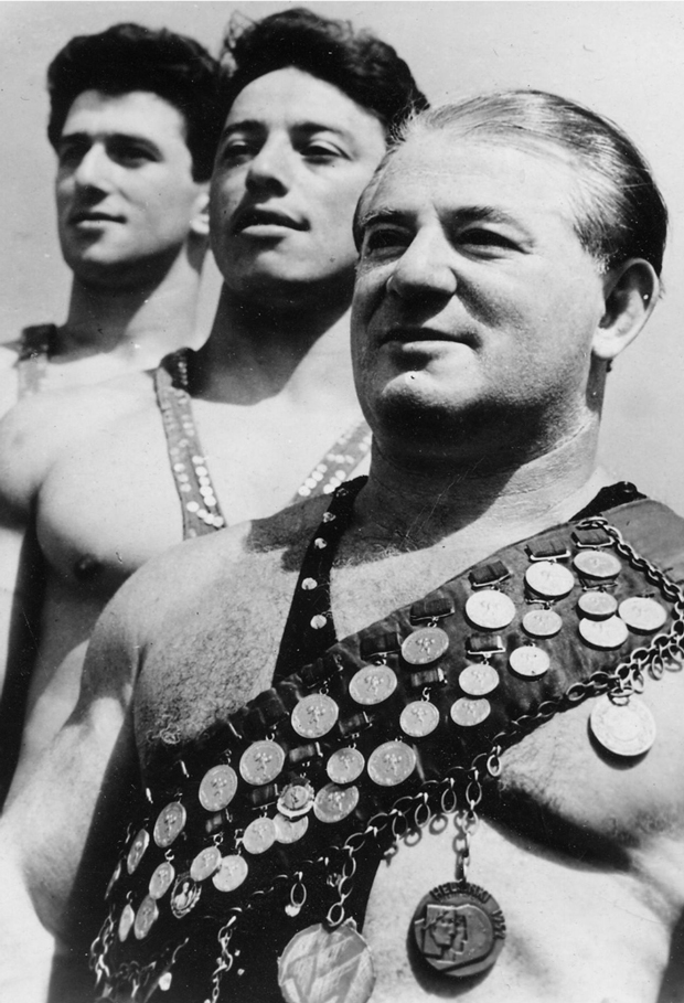 Первого советского чемпиона мира лишили званий и опозорили. Как он вернул себе доброе имя?