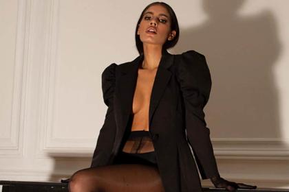 Рекламу бренда одежды свернули из-за слишком сексуальной позы модели