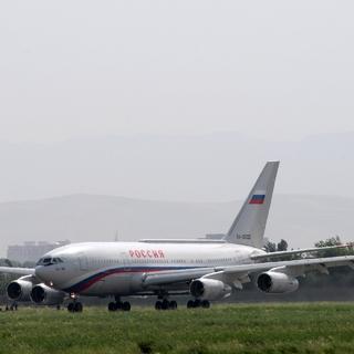 Самолет президента России в аэропорту Душанбе