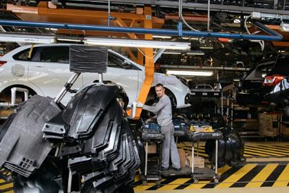 «АвтоВАЗ» предупредил об изменении цен на машины из-за падения рубля