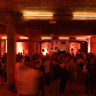 Ночной клуб лента работа для студентов в екатеринбурге в ночном клубе