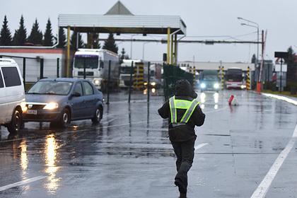 Украина решила закрыть две трети пунктов пропуска через границу