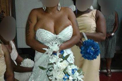 Полную невесту подняли на смех в сети за слишком маленький корсет