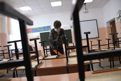 Названа причина отсутствия карантина в подмосковных школах