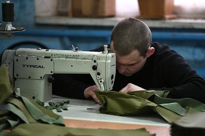 Военные, заключенные и студенты начнут шить для россиян маски от коронавируса
