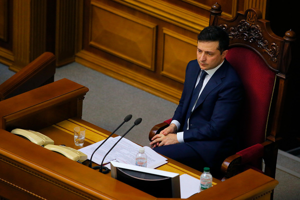 Зеленский одобрил штрафы и тюрьму за нарушение карантина