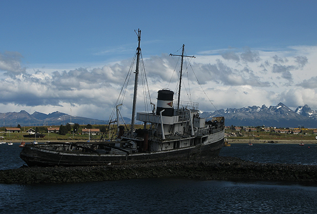 Буксир «Св.Христофор» почти 70 лет честно трудился в заливе Ушуайя