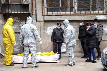 Покойников стали хоронить на камеру из-за пандемии коронавируса