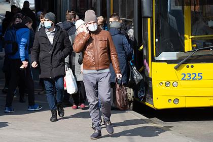 На Украине меры против коронавируса вызвали транспортный коллапс