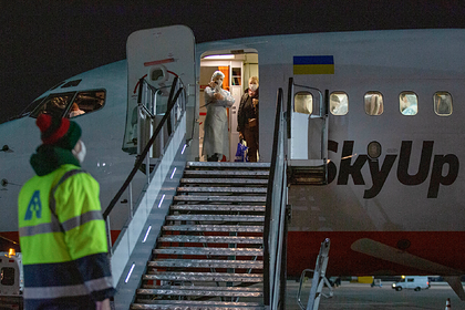 Льготные авиабилеты для эвакуируемых украинцев оказались дороже обычных