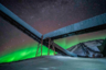 Норвежец Бьерн-Арильд Шанке (Bjorn-Arild Schanke) произвел впечатление на судей эффектной зарисовкой с полярного архипелага Шпицберген. На снимке — усыпанное звездными скоплениями, подсвеченное северным сиянием небо, на фоне которого возвышается заброшенная угольная копь. Автор подчеркнул, что добыча угля на этой земле остановилась еще в 1981 году.