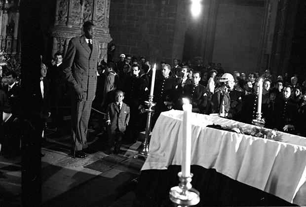Похороны Антониу Салазара в монастыре Жеронимуш, Белен, предместье Лиссабона, 1970 год
