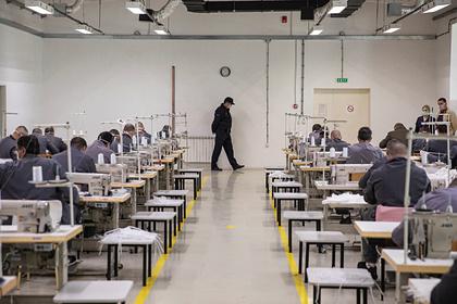 Американские тюрьмы начали выпускать заключенных из-за коронавируса