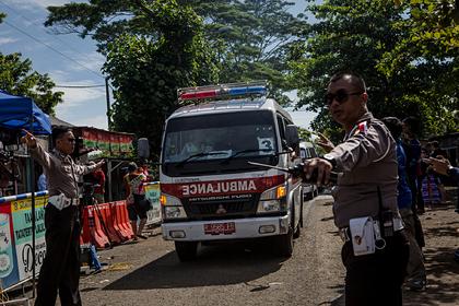 Турист умер от коронавируса посреди оживленной улицы
