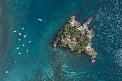 Богачи сбежали от коронавируса на личные острова и в бункеры