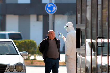 В Азербайджане запретили выходить на улицу людям старше 65 лет