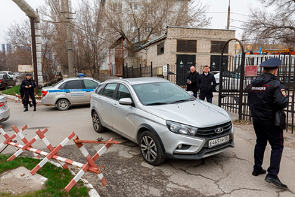 Погибшего от рук грабителя полицейского посмертно наградят за спасение россиянки
