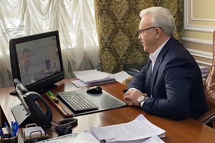 В Красноярске и в Кузбассе выписали излечившихся от коронавируса пациентов