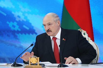 Лукашенко призвал продержаться до Пасхи в борьбе с коронавирусом