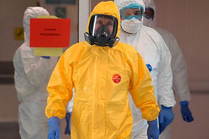 Раскрыта стоимость желтого спецкостюма Путина от коронавируса
