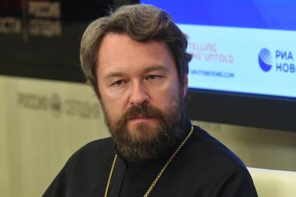 В РПЦ раскритиковали вышедшего на проповедь в противогазе российского священника