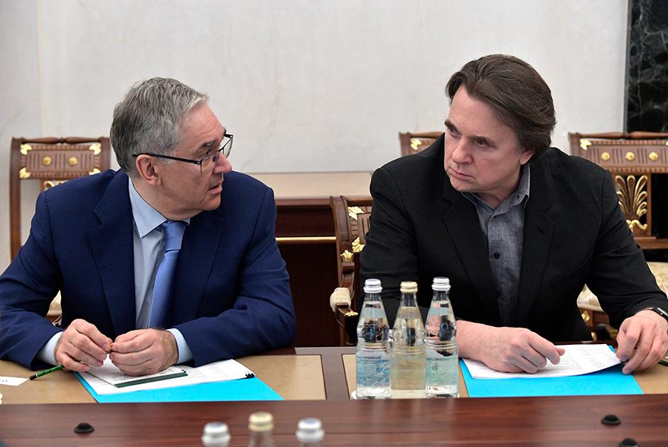 Генеральный директор Первого канала Константин Эрнст и глава ВГТРК Олег Добродеев