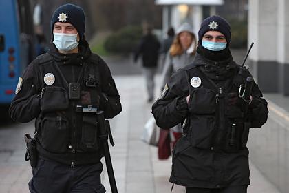 Украинцев попросили доносить на нарушающих карантин соседей
