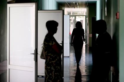 В Петербурге врачи привязали ветерана ремнями к койке