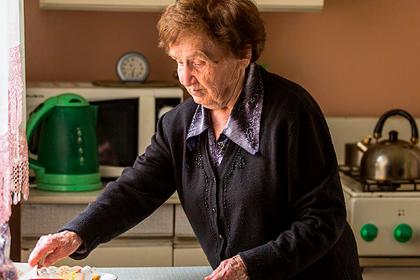 Московские пенсионеры получили выплату за карантин
