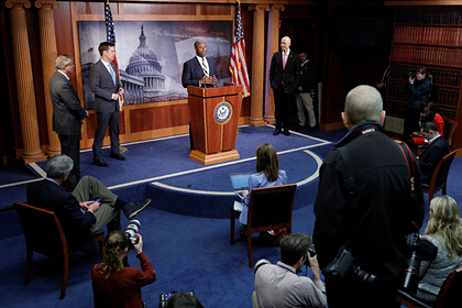 Сенат США одобрил пакет помощи на 2 триллиона