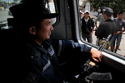 В Киргизии задержали сотни людей за нарушение комендантского часа