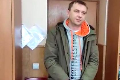 Укравший миллионы российский дворецкий прокутил их в саунах с женщинами за месяц