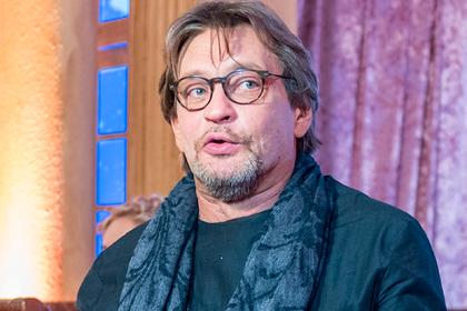 Причиной скандального ухода Домогарова из театра стали деньги