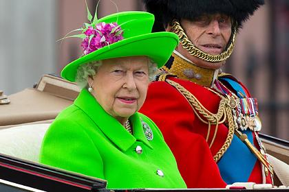 Раскрыт секрет выбора нарядов Елизаветы II