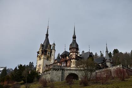 Опубликовано предложение бесплатно провести карантин в королевском замке