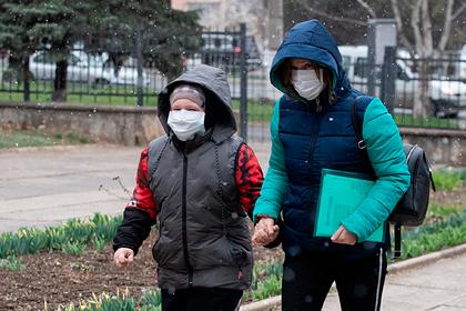 Украина обратилась к крымчанам из-за коронавируса