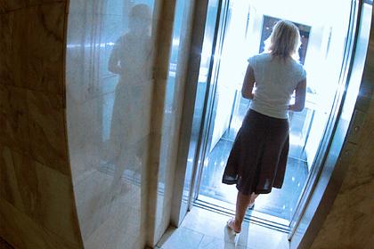 Иностранец надругался над россиянкой в лифте