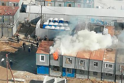 В Петербурге остановили пожар с помощью «смелого трактора»