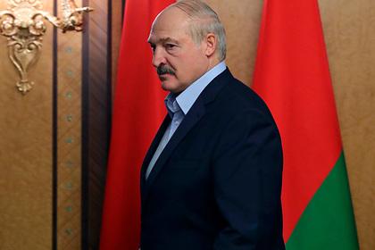 Лукашенко заявил о планах поехать на парад Победы в охваченную «психозом» Россию