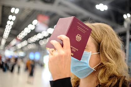 Названа требующая обязательной дезинфекции вещь в поездке во время коронавируса