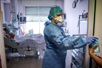 Франция решила продлить изоляцию из-за коронавируса