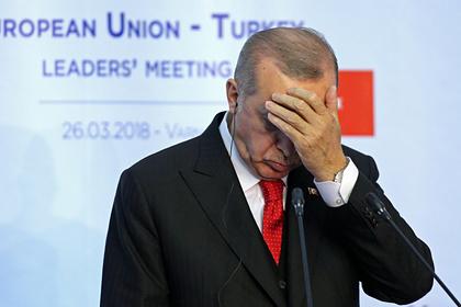 Турция прекратила авиасообщение со всеми странами из-за коронавируса