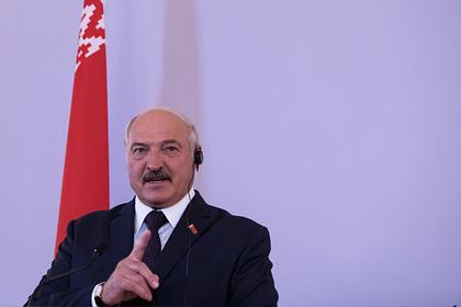 Лукашенко заявил о посещающих Белоруссию во время эпидемии россиянах