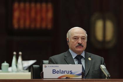 Лукашенко высказался о коронавирусе фразой «лучше умереть стоя»