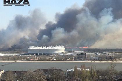 Российский город из-за горящего камыша заволокло дымом