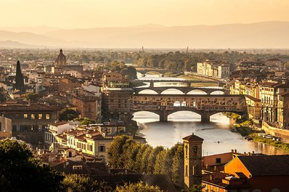 Более десяти тысяч человек в Италии умерли из-за коронавируса