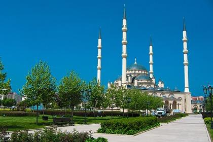Жителям Чечни запретили покидать дома