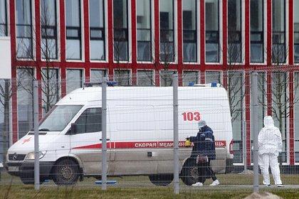 Среди новых зараженных коронавирусом в Москве оказалось много молодежи
