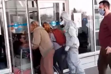 Эвакуированные украинцы отказались от карантина и пытались сбежать из аэропорта